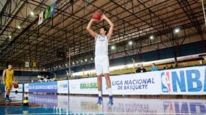 Lucas Dias, do Pinheiros, é um dos grandes destaques da LDB (Raphael Oliveira)