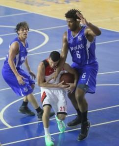 Pedro em duelo contra o Minas (Foto: Orlando Bento/Divulgação)