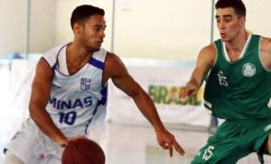 Com 19 pontos, o ala ítalo foi o cestinha do jogo (Foto: Thiago Parmalat)